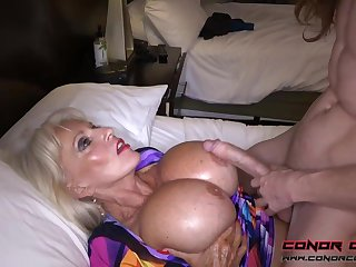 Herculean jugged, platinum-blonde grandma doesn't plan to interrupt penetrating men, because it perceives so splendid