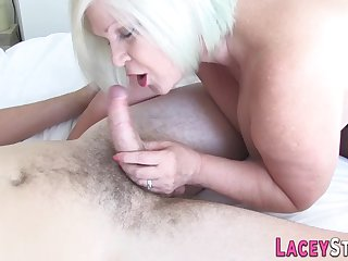 Mature bitch gives head and rides vulnerable young gumshoe