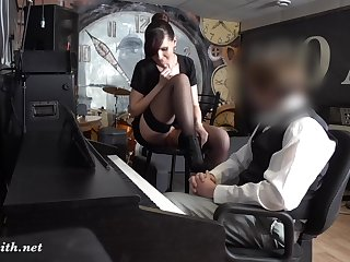 Jeny Smith in stockings flashed in Piano parties
