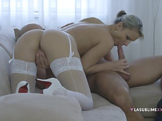 Close close by video of blonde girlfriend Samantha Jolie having sex