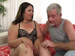 Old mendicant fucks BBW involving make an issue of nuisance and cums involving her mouth