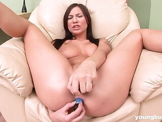 Solo model Sonechka drills her pussy together take ass take sexual relations toys