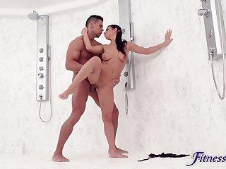 Call-girl fucks thus in a super intense XXX shower shag