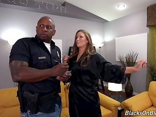 Insolent nude dame tries anal sex with a ebony cop