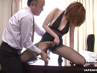 Kinky big wheel is toying hairy pussy be required of Japanese milf secretary in pantyhose Yuna Hirose