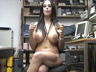 Amateur inclusive Victoria Brown enjoys pleasuring her cunt on the chair
