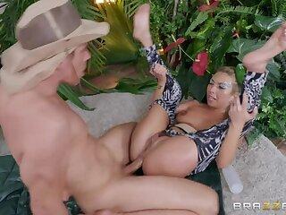 Ass Safari