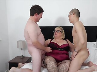 Chubby ass age-old lady fucked apart from the brush man and their nephew