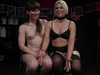 Scorching hot blooper introduces her transsexual depending to her submissive side