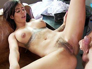 A kinky Colombian