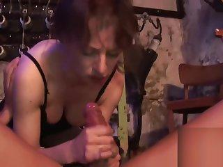 HOSTEL - Im Keller doppelt das Arschloch aufgebohrt