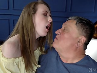 After she takes her clothes off Emma Fantasy gets her pussy demoralized