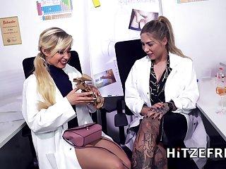 Dr Mia Blow masturbates in the assignation