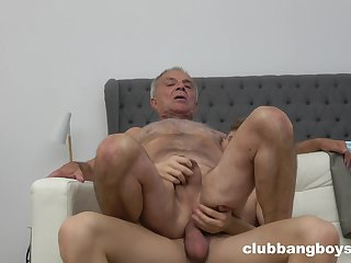 Senior defy pest fucked by young twink in gay XXX