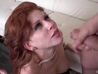 Sexy unscrupulous livery primarily Brooklyn Leei's body makes her hornier than ever