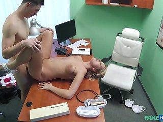 Hot lad fucks the Grub Streeter on hidden cam