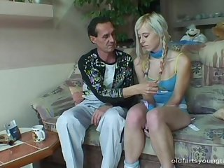 Blonde girlfriend with pigtails takes a dick in her mouth coupled with cunt