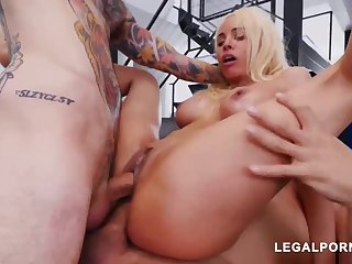 Luna Starlet is a famous culo light-haired doll who loves to realize doublefucked, depending on she ejaculates