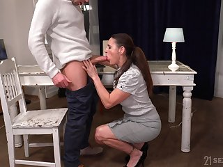 Placid not bad looking mature whore Mariana is fucked tatter great apart from stud