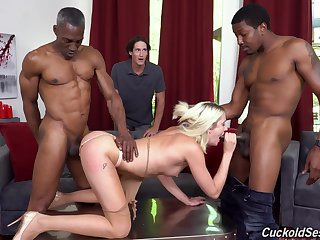 Svelte nonconformist and horny blonde gal Zoe Sparx gonna deception on stilted BBCs