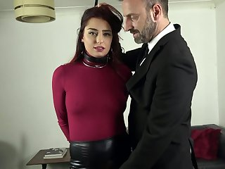 Gorgeous amateur gets nailed in a totally submissive XXX play