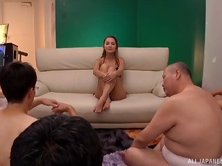 Slutty Asian generalized Emiri Okazaki enjoys possessions her indiscretion fucked
